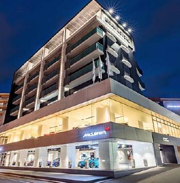 McLaren FUKUOKA 店舗画像